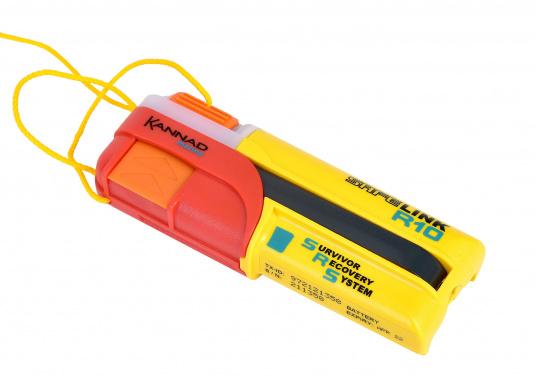 Ein Muss für jeden sicherheitsbewussten Wassersportler! Der SafeLink R10 ist ein kompakter Notfallsender, der am Mann getragen wird. Er ist sofort einsatzbereit, bietet einen integrierten GPS-Empfänger, ist wasserdicht und schwimmfähig.