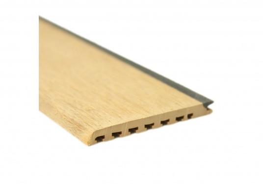 Elegant und technisch hochwertig! Der flexible Teakoptik Deckbelag kann auf Kunststoff-, Stahl- und Holzoberflächen eingesetzt werden. Er ist langlebig, vollständig UV-stabilisiert und besonders rutschfest.  (Bild 4 von 60)