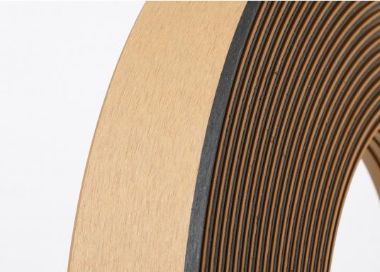 Elegant und technisch hochwertig! Der flexible Teakoptik Deckbelag kann auf Kunststoff-, Stahl- und Holzoberflächen eingesetzt werden. Er ist langlebig, vollständig UV-stabilisiert und besonders rutschfest.  (Bild 54 von 60)