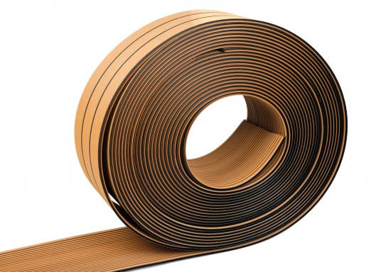 Elegant und technisch hochwertig! Der flexible Teakoptik Deckbelag kann auf Kunststoff-, Stahl- und Holzoberflächen eingesetzt werden. Er ist langlebig, vollständig UV-stabilisiert und besonders rutschfest.  (Bild 59 von 60)