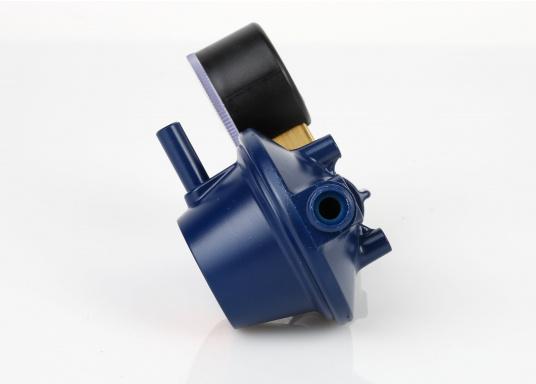 Speziell für den Marinebereich aus korrosionsbeständigem Material, seewasserfest, TÜV geprüft. Mit Manometer. Zum Anschluss an Gasflaschen, zur Druckregelung auf den Nenndruck des Gasgerätes. Mit Sicherheitsabblaseventil PRV.  (Bild 4 von 4)