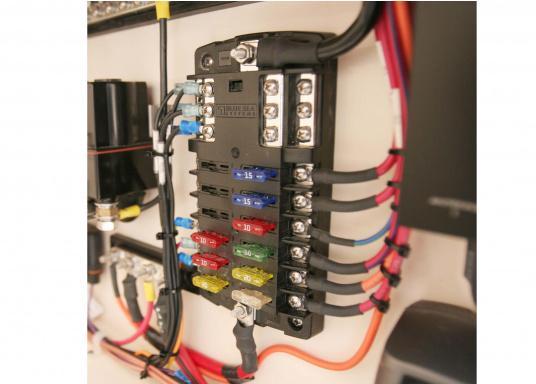Durchgebrannte Sicherungen schnell und einfach ausfindig machen, sogar im Dunkeln! Brennt eine Sicherung durch, schaltet sich ein LED Lämpchen an genau dieser Sicherung ein. 31 Stück, 3A - 40A.  (Bild 5 von 5)