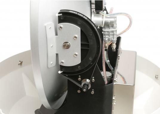 Die Satelliten TV-Antenne RHEA bietet beste Leistung beim Empfang von HD-TV Signalen. Der große Spiegel (47 cm) sorgt dafür, dass sie auch in Randgebieten und bei schlechtem Wetter ein störungsfreies Fernsehbild genießen können. (Bild 4 von 12)