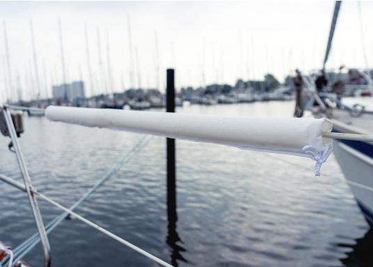 Relingsdrahtpolsterung mit praktischer Klett-Befestigung. Erhältlich in zwei Längen: 1 m und 1,48 m. Farbe: Weiß. (Bild 2 von 6)