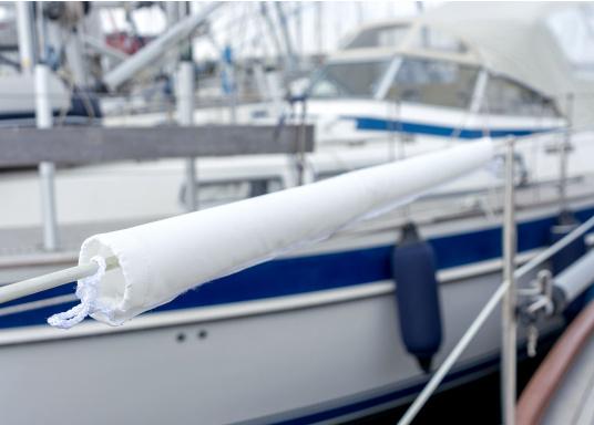 Relingsdrahtpolsterung mit praktischer Klett-Befestigung. Erhältlich in zwei Längen: 1 m und 1,48 m. Farbe: Weiß. (Bild 4 von 6)