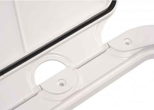 Clevere Zugangsklappen für Inspektionsöffnungen, Stauräume oder auch als Bodenluke im Fußboden. Die Oberfläche ist begehbar und für sicheren Halt mit Antirutschhaftung beschichtet. Lieferbar in verschiedenen Größen.  (Bild 9 von 14)
