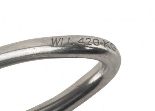 Belastbare Niro-Schäkel in langer, gedrehter Form. Erhältlich in verschiedenen Größen.Wichard steht für Produkte die für höchste Beanspruchung und eine lange Lebensdauer entwickelt werden! (Bild 6 von 8)
