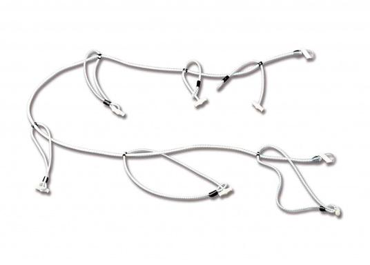 """Der """"Tausendfüßler"""" – dieser praktische Segeleinbinder bietet schnelles Handling beim Einbinden des Großsegels. Lieferbar in zwei Längen."""
