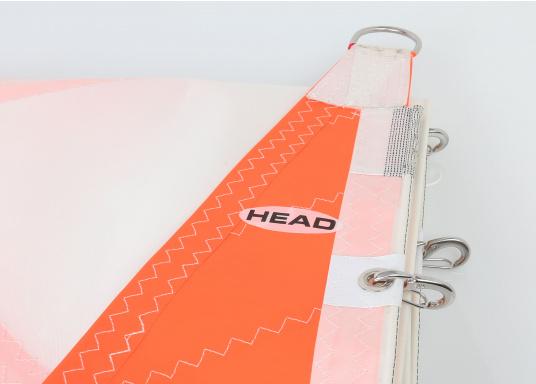 Diese Sturmfock für den schweren Einsatz ist horizontal zugeschnitten. Hergestellt aus schwerem Tuch mit extra verstärkten Ecken. Das Vorliek ist mit praktischen Einhandstagreitern versehen. Erhältlich in verschiedenen Größen. (Bild 8 von 8)