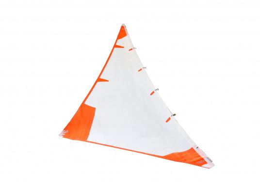 Diese Sturmfock für den schweren Einsatz ist horizontal zugeschnitten. Hergestellt aus schwerem Tuch mit extra verstärkten Ecken. Das Vorliek ist mit praktischen Einhandstagreitern versehen. Erhältlich in verschiedenen Größen. (Bild 2 von 8)