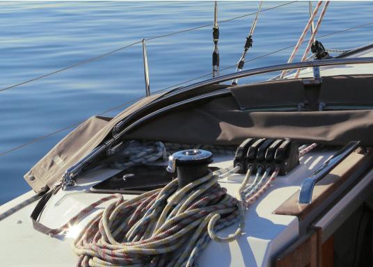 Bevorzugter Fallenstopper auf mittelgroßen Yachten! Der XTS bietet außergewöhnliche Haltekräfte und geht dabei schonen mit dem Tauwerk um. Erhältlich in drei Versionen: 1-fach, 2-fach und 3-fach.  (Bild 4 von 12)