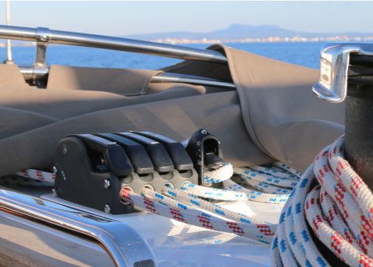 Bevorzugter Fallenstopper auf mittelgroßen Yachten! Der XTS bietet außergewöhnliche Haltekräfte und geht dabei schonen mit dem Tauwerk um. Erhältlich in drei Versionen: 1-fach, 2-fach und 3-fach.  (Bild 6 von 12)