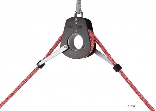 These boom brakes are popular worldwide! Their high-quality design offers almost 100% protection against accidental jibes. Three sizes are available