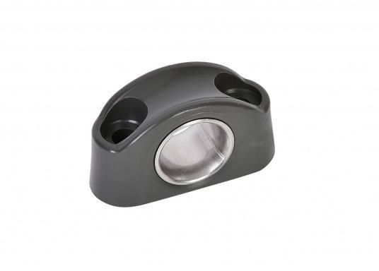 Schotdurchführung / Leitöse aus Kunststoff in Schwarz. Buchse aus Edelstahl, rostfrei. Durchlass: 12 mm, Länge: 40 mm, Höhe: 23 mm, Lochabstand: 25 mm, für 4 mm Schrauben. (Bild 2 von 3)