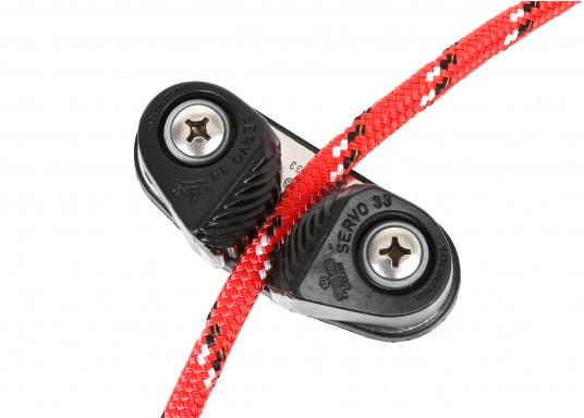 Servo Cleat 33, geeignet für Schotdurchmesser von bis 14 mm. Lochabstand: 52 mm, Höhe: 28 mm, Länge: 86 mm, Breite: 36 mm. Lieferung inklusive Schrauben.  (Bild 4 von 5)