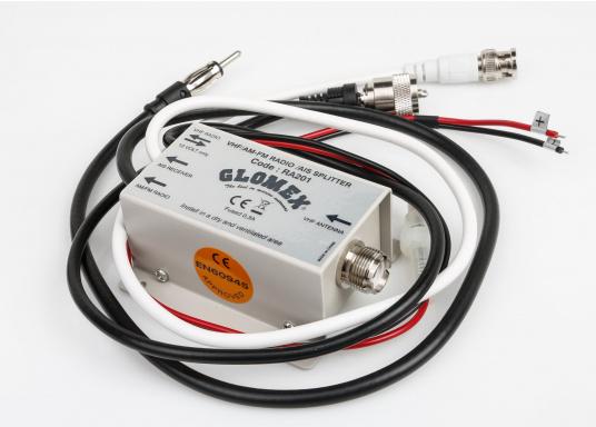 Die Duplex-Weiche ermöglicht gleichzeitigen Empfang von UKW-Seefunk-, AIS- und Rundfunksignalenmit der Seefunkantenne. Geeignet für GFK-Seefunkantennen und Seefunkantennen mit Nirostrahler.  (Bild 2 von 4)