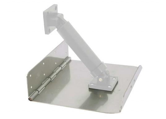 Trim tabs in a very stable steel construction with hinge. Pre-drilled forhull installation.