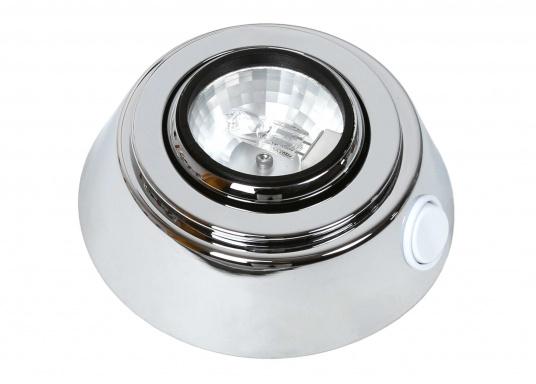 Diese verchromte Aufbauleuchte bringt Glanz in Ihr Boot! Besonders praktisch ist der schwenkbare Reflektor –so haben Sie das Licht immer da, wo Sie es gerade benötigen.