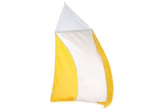 Auch die leichteste Brise wird aufgefangen! Dieses leichte Ventilationssegel ist aus Polyester-Segeltuch mit doppelt genähten Nähten und mit einer Fiberglaslatte zur Spreizung ausgestattet. Lieferung inklusive Nylon-Stausack.  (Bild 2 von 3)