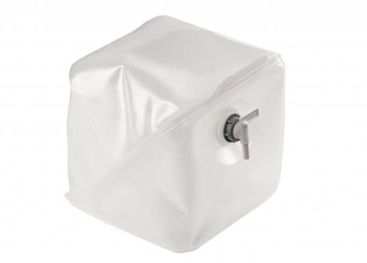 Praktische Wasserkanister in flexibler Ausführung. Die Kanister lassen sichbesonders platzsparend verstauen.Erhältlich in zwei unterschiedlichen Größen.