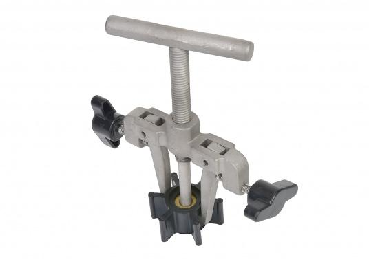 This impeller puller is specifically designedfor theeasy removal of impellers. It is made out of stainless steel and prevents pumps from being damaged. Suitable for all brands.  (Image 2 of 3)