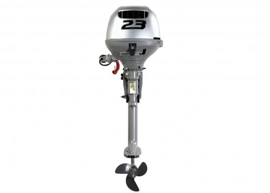 Moteur quatre-temps léger avec gaz sur barre franche repliable et embrayage automatique. Excellent rapport poids/puissance. Pratique à utiliser et à transporter grâce à une ergonomie étudiée pour une utilisation d'une seule main.  (Image 2 de 8)