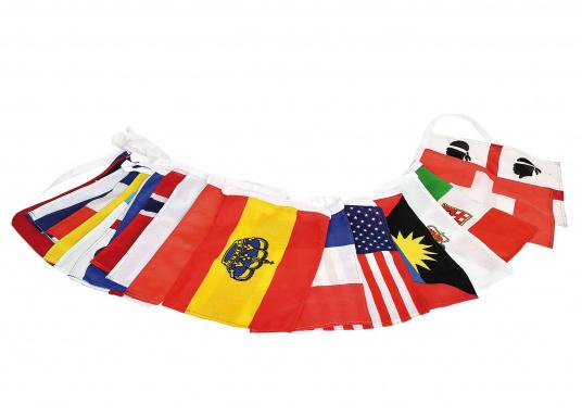 28 unterschiedliche Nationen- und Länderflaggen an einer Kette. Hergestellt aus Polyester. Größe: 20 x 30 cm. Gesamtlänge: 10 m.
