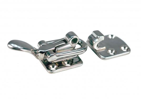 Edelstahl-Hebelverschluss in sehr stabiler Ausführung. Geschlossene Länge: 75 mm, Breite: 38 mm. Mit 6 mm Bohrung für Vorhängeschloss. Erhältlichmit gerader Gegenplatte.