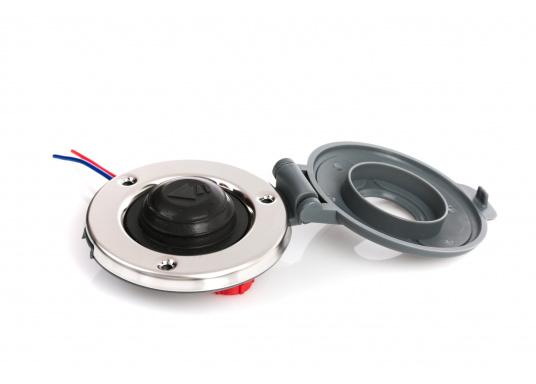 Sicherer Fußschalter für elektrische Ankerwinden. Der Schalter mit Edelstahl-Gehäuse ist wasserdicht und mittels einer Schutzklappe gegen versehentliche Bedienung abgesichert. (Bild 2 von 8)
