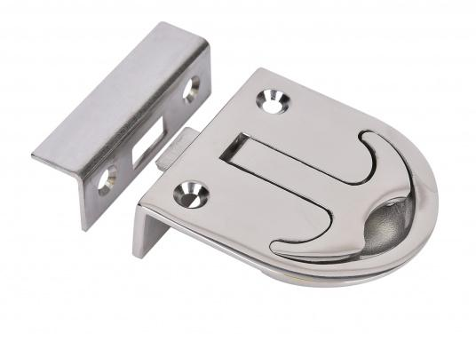 Schnappverschluss aus Edelstahl. Mit Schließblech. Abmessungen: 57 x 60 mm, Einbautiefe: 18 mm.