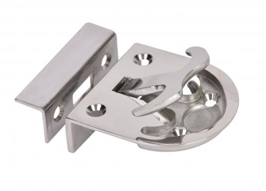Schnappverschluss aus Edelstahl. Mit Schließblech. Abmessungen: 57 x 60 mm, Einbautiefe: 18 mm.  (Bild 2 von 3)