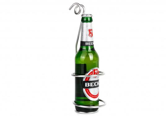 Dieser Flaschen- oder Dosenhalter kann in den Relingsdraht eingehängt werden. Der Durchmesser des Halters kann mittels Verdrehen des Drahtes angepasst werden. Abmessungen: 265 x 73 cm.  (Bild 2 von 4)