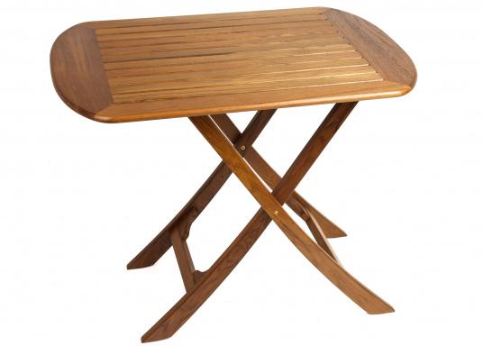 Table pliante en teck, élégante et de belle facture. Facile àplier rapidement et fabriquée à partir de teck de haute qualité, elle résiste aux mauvaises conditions climatiques et aux fluctuations de température.  (Image 2 de 8)