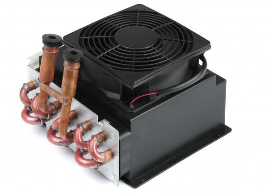 Warmwasser-Luft-Wärmetauscher und Heizgebläse, geeignet für Warmwasserheizungen oder Direktmontage in den Motorkreislauf.Erhältlich in zwei Ausführungen: Als 12 V oder 24 V Version.  (Bild 2 von 5)