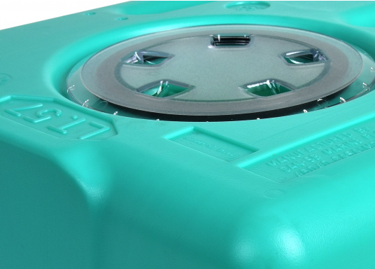 Stabile Tanks aus hochwertigem und geschmacksneutralem Kunststoff. Mit CE-Zulassung. Die Tanks werden mit einem Handlochdeckel geliefert. Als Anschluss können an beliebiger Stelle Stutzen in den Tank eingesetzt werden. Lieferbar in verschiedenen Größen.  (Bild 2 von 11)
