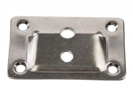 Massives Befestigungs-Set aus rostfreiem Edelstahl zum Einhängen von Tischplatten. Lochdurchmesser: 5 mm. Zum Set gehören je 2 Befestigungsplatten und 2 Winkelstücke.  (Bild 3 von 4)