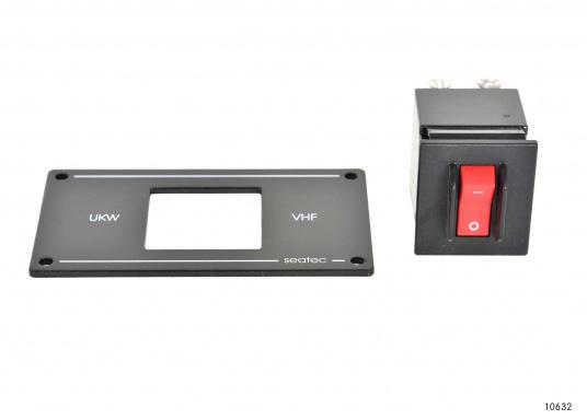 Zweipoliger Sicherungsautomat für UKW-Seefunkanlagen mit Postzulassung mit Schaltern in der bewährten CARLINGSWITCH-Qualität.  (Bild 4 von 6)
