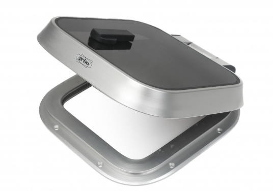 Elegant, low-profile hatches. These gebo offshore hatches are used by leading yacht manufacturers around the world for standard equipment. Available in various sizes.