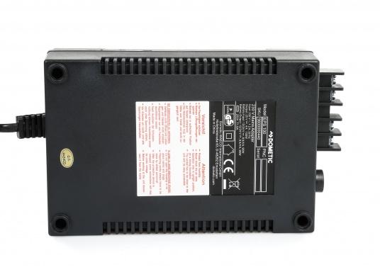 12 / 24 V Kühlschränke / Kühlboxen an das 230 V Netz anschließen –ganz einfach und problemlos mit dem Gleichrichter. Dieser erzeugt eine 24 V Gleichspannung und versorgt damit Ihre Geräte.  (Bild 4 von 5)