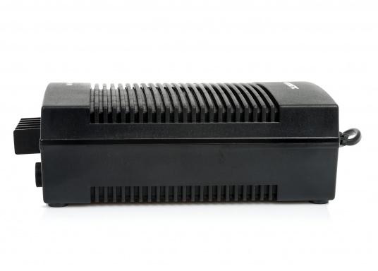 12 / 24 V Kühlschränke / Kühlboxen an das 230 V Netz anschließen –ganz einfach und problemlos mit dem Gleichrichter. Dieser erzeugt eine 24 V Gleichspannung und versorgt damit Ihre Geräte.  (Bild 5 von 5)