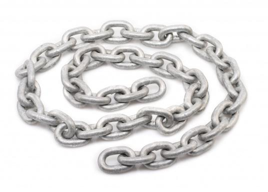 Superbly welded, galvanised high-quality chain  Short-linked and accurately calibrated  Available in a maximum length of 100m in one piece   (Imagen 2 de 5)