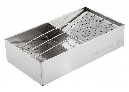 Duftend heiße, knusprige Brötchen, eine frische Toastscheibe - so gelingt das Frühstück an Bord! Der Edelstahl-Aufsatz kann auf jeden Kocher aufgesetzt werden. Sogar auf einem Grill können Sie den Aufsatz verwenden.   (Bild 5 von 7)