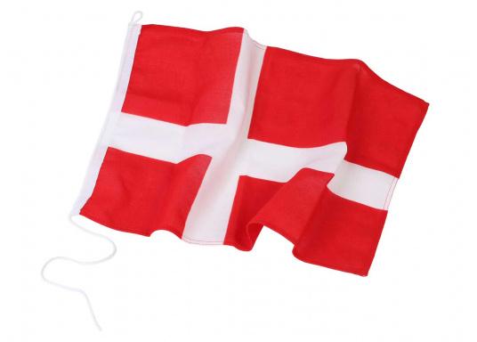 Robuste Nylon-Flaggen mit offiziellem Landesflaggen-Druck: Dänemark. Hochwertige Verarbeitung mit 100%-Durchdruck, schnelle und einfache Befestigung.Ideal für die Verwendung als Länder- und Gastlandflagge.  (Bild 2 von 2)