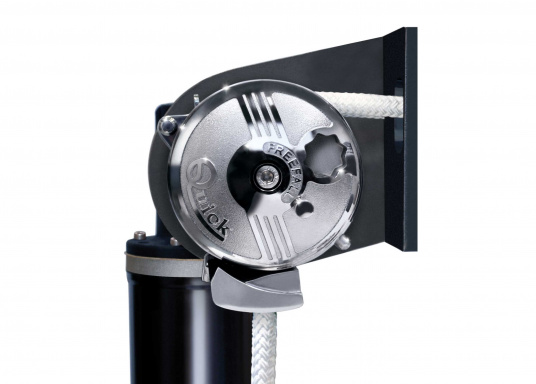 BALDER windlass with Free-Fall technology and auto stop function (auto stop kit sold separately).  (Image 2 of 4)