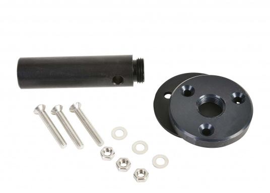 Der Aufbausockel erlaubt die Montage des Autopiloten auf waagerechter Oberfläche. Die unterschiedlichen Höhen gleichen den Abstand zwischen Montagefläche und Pinne aus. Erhältlich in verschiedenen Größen. (Bild 3 von 6)