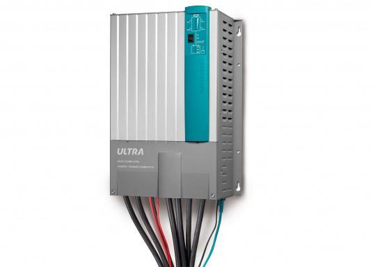 Der MASS COMBI ULTRA fasst die fortschrittlichste Technik (V6 Hochfrequenz Technologie) in einem kompakten Paket zusammen. Er vereint Sinus-Wechselrichter und Batterie-IUOU-Ladegerät in einem Gehäuse. Nennspannung: 12 V. Empfohlene Batteriekapazität: 300 - 900 Ah.  (Bild 3 von 8)