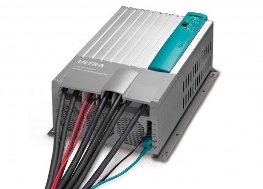 Der MASS COMBI ULTRA fasst die fortschrittlichste Technik (V6 Hochfrequenz Technologie) in einem kompakten Paket zusammen. Er vereint Sinus-Wechselrichter und Batterie-IUOU-Ladegerät in einem Gehäuse. Nennspannung: 12 V. Empfohlene Batteriekapazität: 300 - 900 Ah.  (Bild 6 von 8)