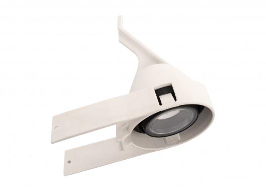 Suitable for any mast profile! Thanks to the flexible mounting straps, this floodlight fits any mast profile. Power LEDs with lens ensure optimum illumination of the deck.