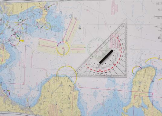 Mit diesen praktischen Navigations-Set haben Sie immer alle wichtigen Utensilien die Sie für die Routenplanung benötigen beisammen. (Bild 4 von 6)