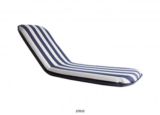 """Mobiler Sitzkomfort an Bord, beim Camping, im Garten und am Strand. Der Comfort Seat """"groß"""" bietet Sitzkomfort in 6 Postionen und eine längere Rückenlehne. (Bild 5 von 9)"""